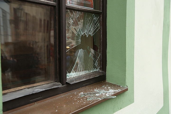 A2B Glass are able to board up broken windows while they are being repaired in Walworth.